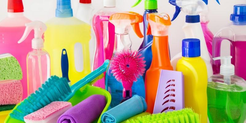 Reinigungsmittel und -produkte im Test