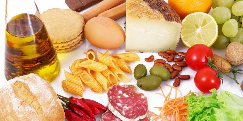 Große Auswahl an Lebensmitteln
